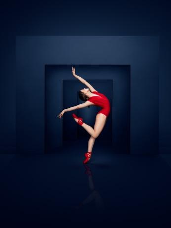 Glass Pieces - Dancer: Dayesi Torriente